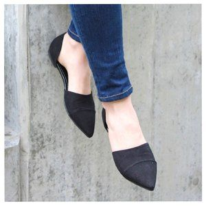 NEW! CHINESE LAUNDRY Suede Pointed Toe Black Flats